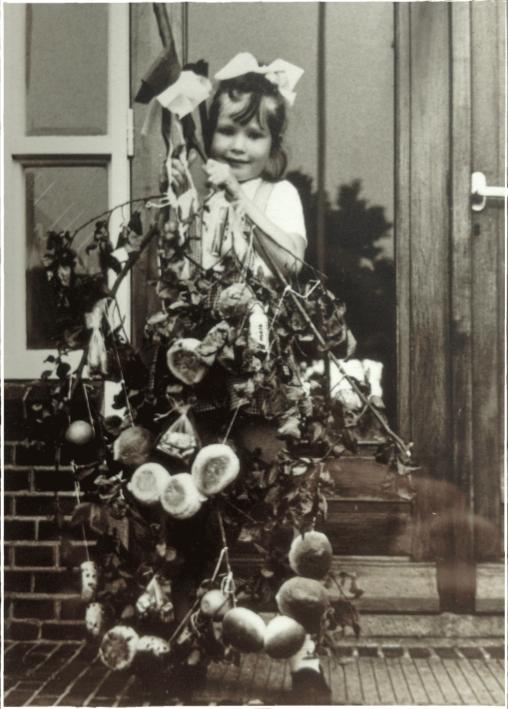 afbeelding anneke met stoetboom